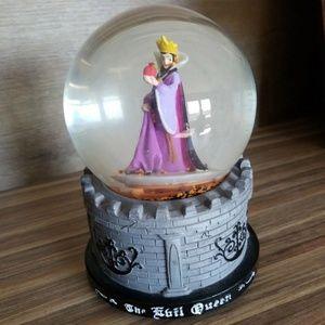 Evil queen snowglobe